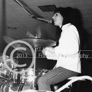 8380-email MoJo Men drummer 2