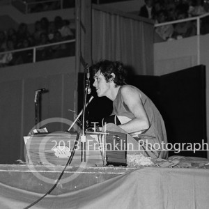 8440-email Donovan on stage 10-1-68 Coliseum 2